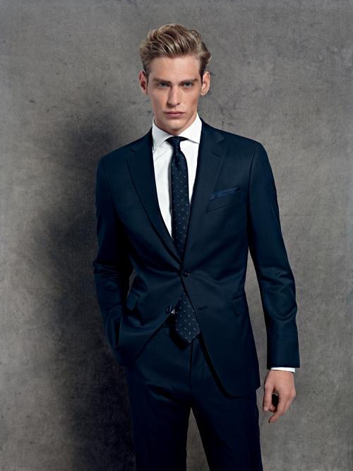 Thörnell   Anderson - Mörk kostym i brett urval av tillverkare och ... 0de00399f9d36